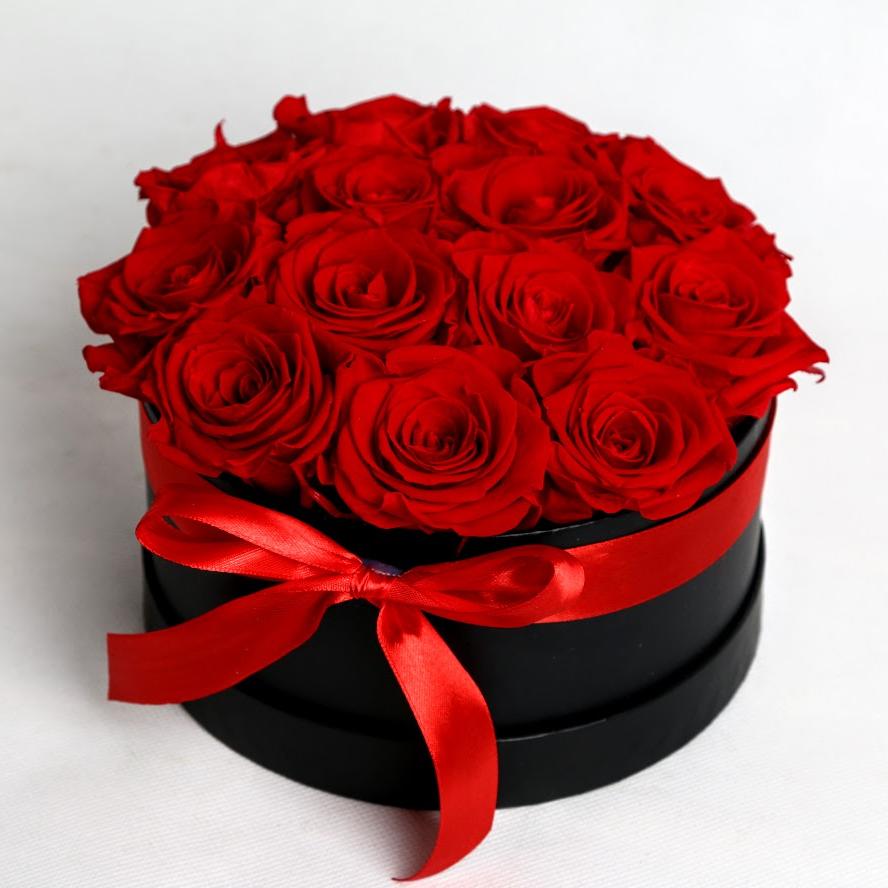 Box stabilizovaných ruží 13ks červený
