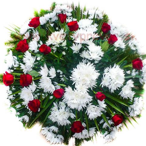 Smútočný veniec - 32 kvetov ruží a chryzantém