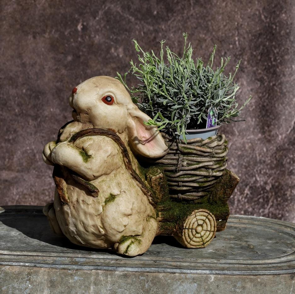Črepník Zajačik s vozíkom