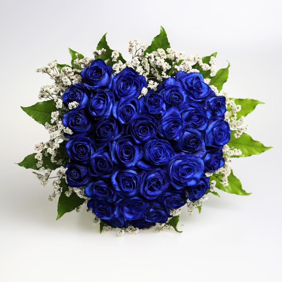Kytica z modrých ruží v tvare srdca