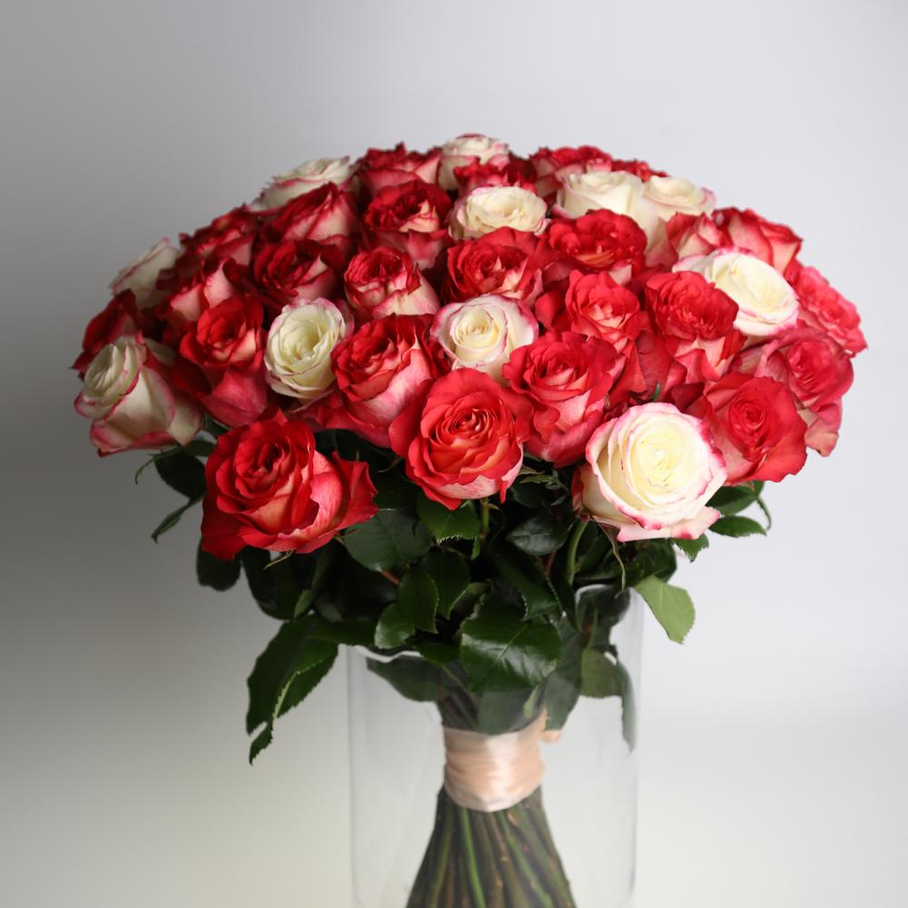 Kytica z ruží červeno biela