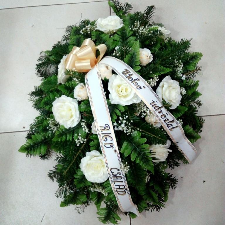 Ikebana živý základ a umelé kvety