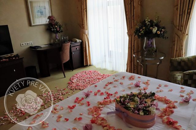 Romantic room pink