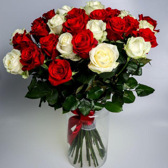 Kytica ruží bielo-červená