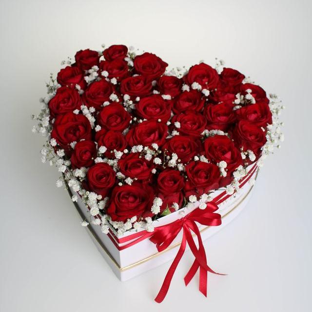 Flower box červených ruží