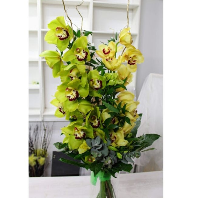 3 orchidey v kytici
