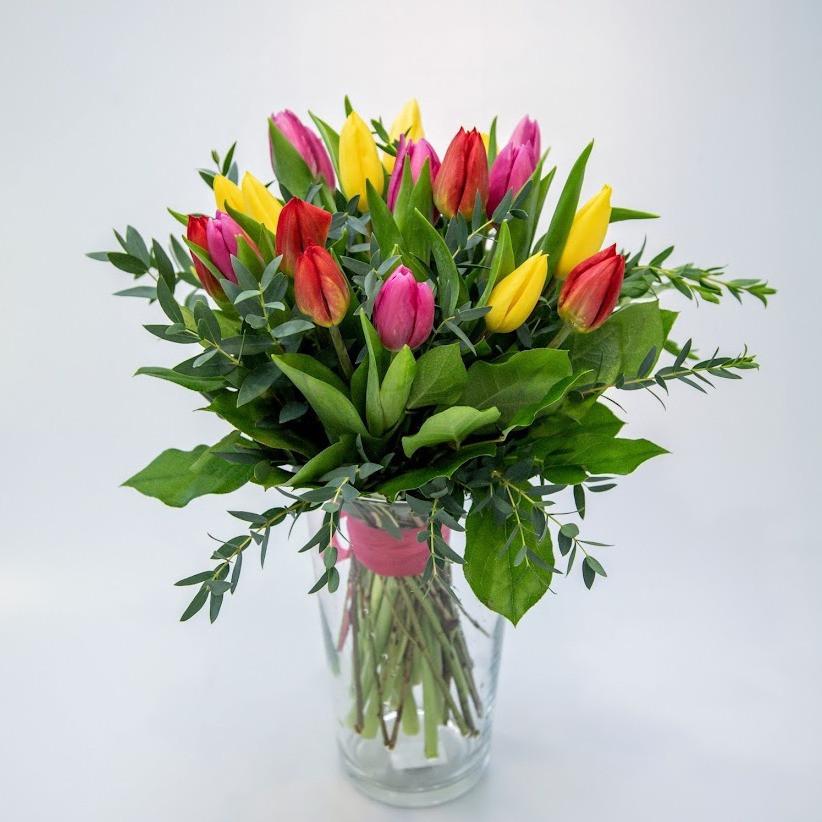 Kytica tulipánov farebný mix s eukalyptom