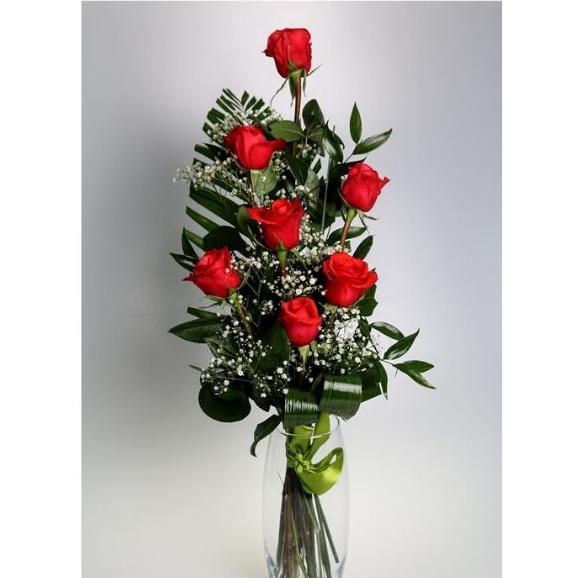 7 červených ruží s dekoráciou