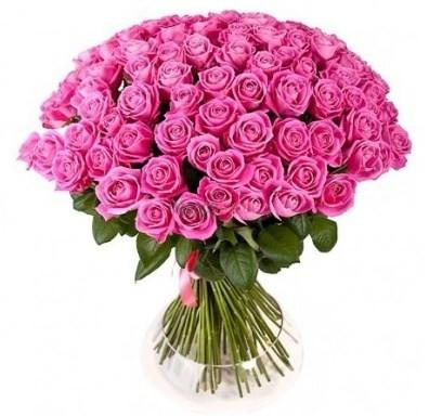Kytica 101 ružových ruží